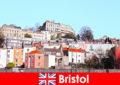 Bristol, gençlik kültürü ve yabancılar için samimi bir atmosfer sunan şehir