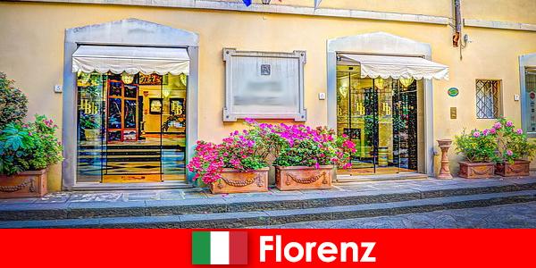 Rahatlamak için içeriden ücretsiz ipuçları içeren Floransa'da seyahat rehberi
