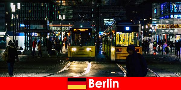 Gece hayatından sıcak eskort fahişelerle Berlin'de fuhuş