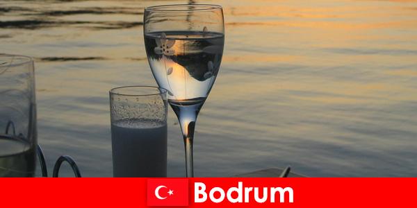 Türkiye'de genç turistler için Bodrum disko kulüpleri ve barları