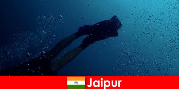 Jaipur'daki su sporları dalgıçlar için en iyi ipucu