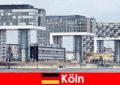 Köln'de heybetli yüksek binalar yabancıları şaşırtıyor