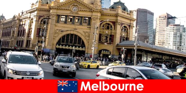 Melbourne'un güney yarım küredeki en büyük açık hava pazarı yabancılar için bir buluşma yeri