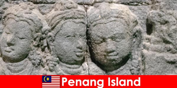 Penang Adası'nda birçok turistik yer ve tek bir yerde toplanmış harika olaylar var